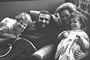 8 Gennaio 1955 con Franca Gentili e le figlie